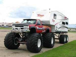 Monster Pickup Truck 5th Wheel Setup